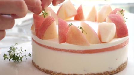 夏天的冰淇淋蛋糕,满足了对夏天的所有 美好,这就是白桃果冻慕斯蛋糕