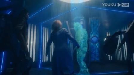 神秘博士:地球被人,幸存者乘坐飞船逃亡,哪知在太空