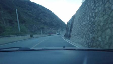 川藏线自驾游到达巴塘县措拉乡看看啥样子