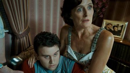 【哈利波特】佩妮姨妈的态度是伪装!其实一直在暗中保护哈利!