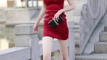 她手里的包多少钱?