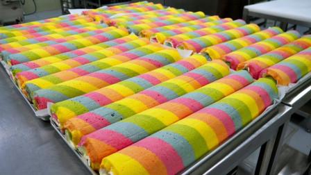"""小店推出""""彩虹蛋糕"""",反复上色20次完成,老板:来吃的都是美女!"""