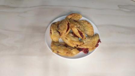 草莓放到蛋挞皮中,做出来的甜品,酥酥脆脆,收藏了