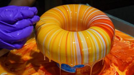 """艺术生毕业做""""彩虹""""蛋糕,没想到越漂亮越没人买,路人:色素多"""
