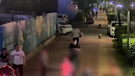 共度晨光 2021 广东:男子无证醉驾 与外卖员当街大打出手