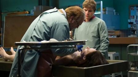 女孩被做成夹心饼干,解剖后才发现她一直都活着