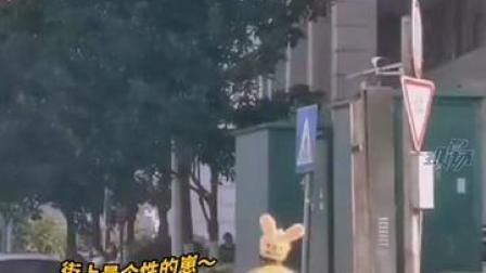 4月15日,广东广州。平安骑手培训班开班,#一教室的外卖小哥乖巧听讲课