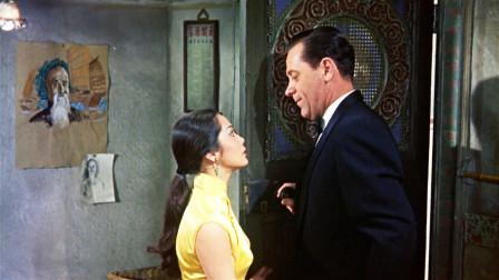 穿着旗袍的苏丝黄,风情万种神秘莫测,是西方人眼中的东方美女