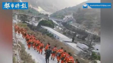 云南大理突发森林火灾  上千人正在扑救