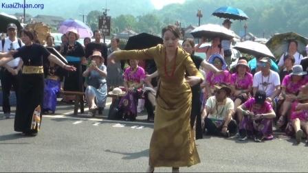 乐山市《吉祥锅庄舞蹈队》峨眉山下风采(节选)