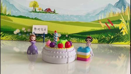 苏菲亚不仅准备了蛋糕还有榴莲千层
