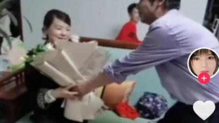 5月20号许敏和老公撒,姚爸过生日许敏亲手为他做水果蛋糕