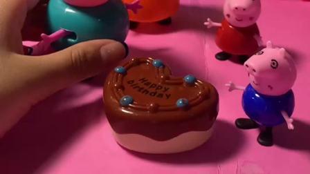 猪妈妈看到家人准备的生日蛋糕激动地哭了