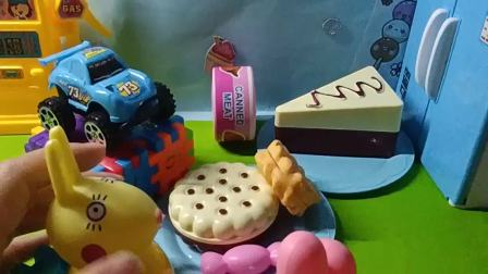 原来小汽车是巧克力和蛋糕制作完成的