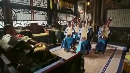 如懿传:小琵琶与皇上眉目传情,被封为答应,惹怒贵妃被掌嘴