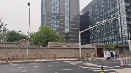 长安街上仅存的一座大型四合院,占地3000平米,主人很知名
