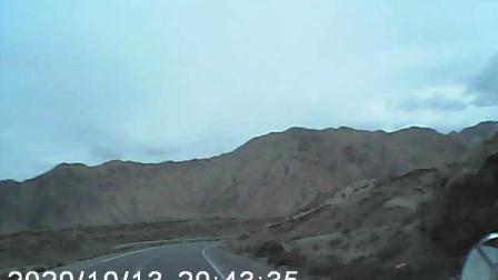 从西藏延京拉线回茶卡盐湖路上在小河沟水库附近发现的好像是鹿,请看到最后
