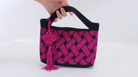 娟娟编织双色交错席纹花实用型手包第二集图解视频