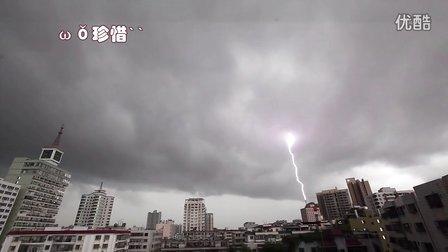 [拍客]三亚开山建设的大树公馆楼盘狂遭雷劈