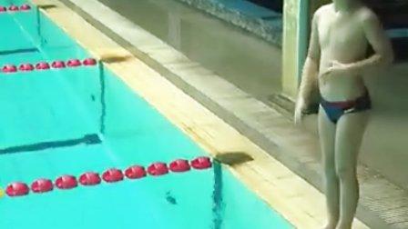 张悦轩游泳