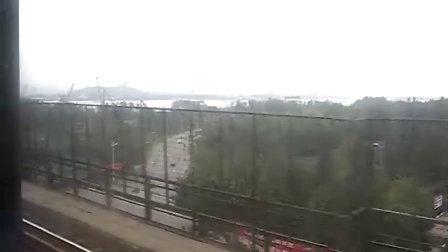 T65路过南京长江大桥