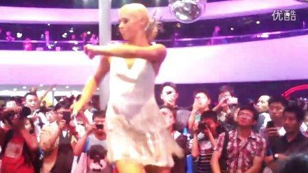 2012北京国际车展 舞蹈
