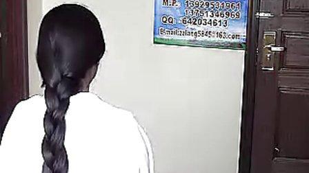 广州ZZ美女剪长发