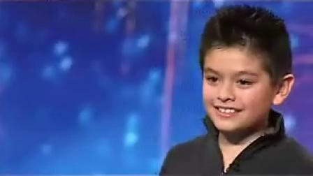 超可爱10小男孩超动听演唱征服现场所有观众(08年英国达人)