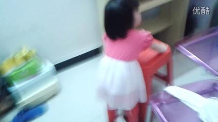 一岁半天才小美女穿18cm高跟鞋
