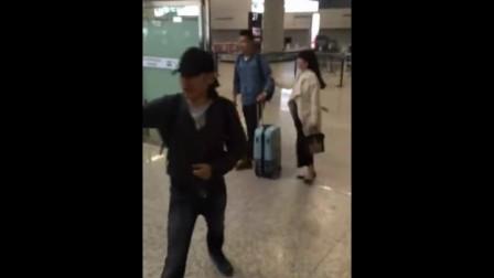 20160422 吴秀波《北京遇上西雅图2》上海首映虹桥机场粉丝接机