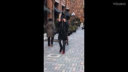 Justin Bieber se recusa a tirar foto com Anão