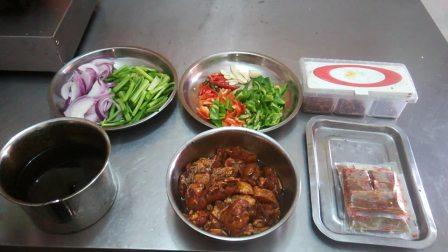 正宗重庆鸡公煲做法,烧鸡公煲,鸡公煲米饭做法 重庆鸡公煲做法大全