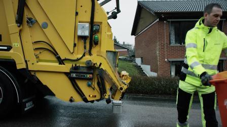 沃尔沃卡车和Renova测试自动驾驶垃圾装运车