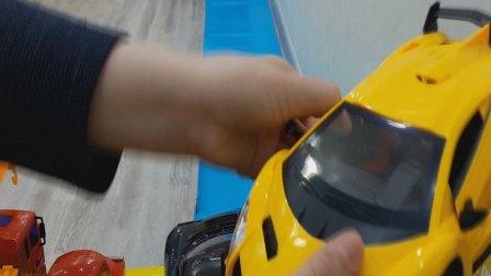 有趣的超级跑车和闪电麦昆卡车,视频为小孩儿,欢迎订阅!