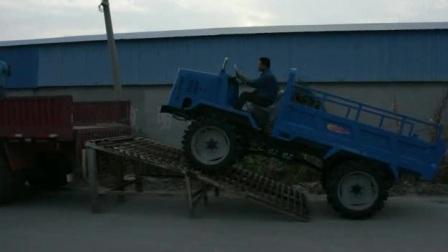 瓦力机械-农用四驱柴油水田稻谷运输拖拉机