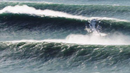 Surfing the Big Waves of Winter Nazaré 2017 Reel