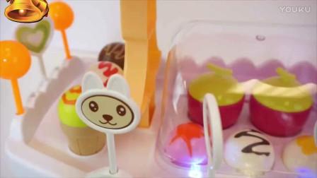 亲子游戏 小猪佩奇卖冰淇淋雪糕和棒棒糖 儿童玩具