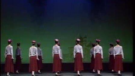 新疆舞蹈教学《组合》三一步一点,三步一台步伐组合