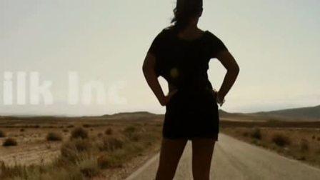 欧美经典歌曲《   Race     》 动感  环球音乐  原版MV