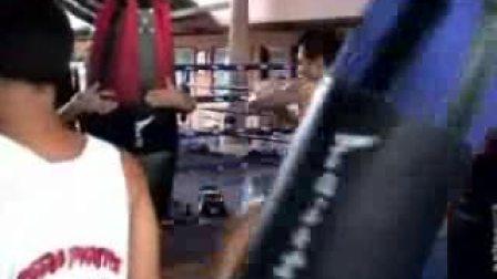【侯韧杰 Muay Thai 教学篇】之  50次扫踢