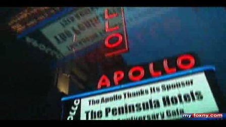 Mariah在APOLLO'S 75TH ANNIVERSARY GALA外接受采访