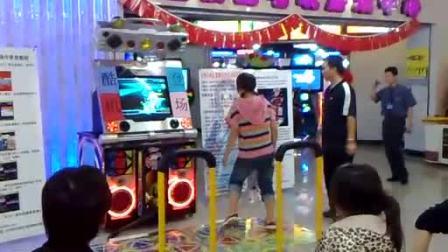 预赛第5名选手:少恩(北京金银岛电玩  跳舞机5代表演赛)