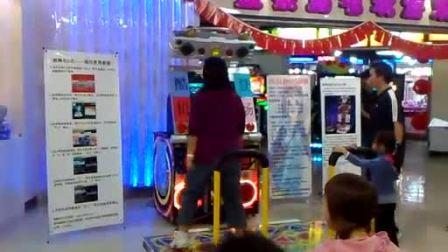 预赛第8名选手:靳欣(北京金银岛电玩  跳舞机5代表演赛)