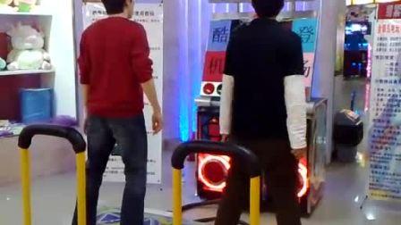半决赛第一轮:李燮PK小宇(北京金银岛电玩  跳舞机5代表演赛)