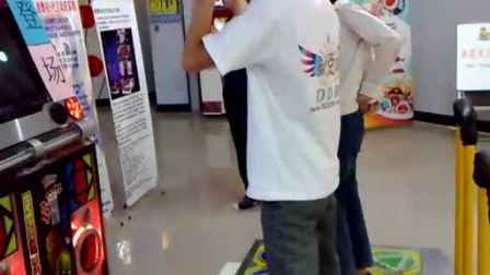 MAGIC MODE表演:旭哥 PK SuIHi(北京金银岛电玩  跳舞机5代表演赛)
