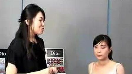 眼线提升眼部立体感-Dior 07秋季彩妆教程