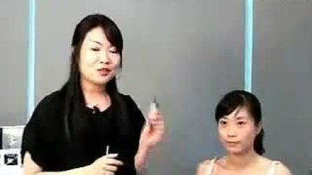 遮住脸部小瑕疵-Dior 07秋季彩妆教程