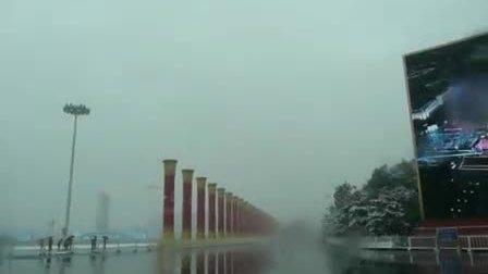 2009年冬天第一场雪中的天安门