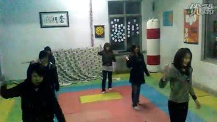 辽宁商贸职业学院弘武社团09双节棍元旦