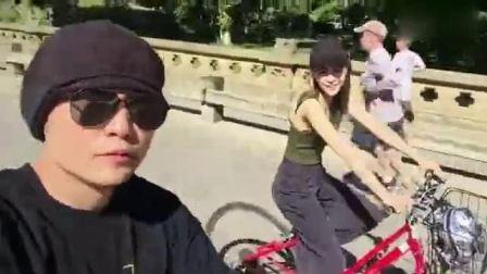 周杰伦昆凌骑单车超浪漫